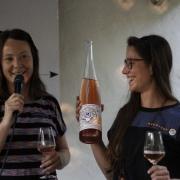 Christina Molitor vom Weingut Thomas Molitor und Hannah Geiger von NekoNeko